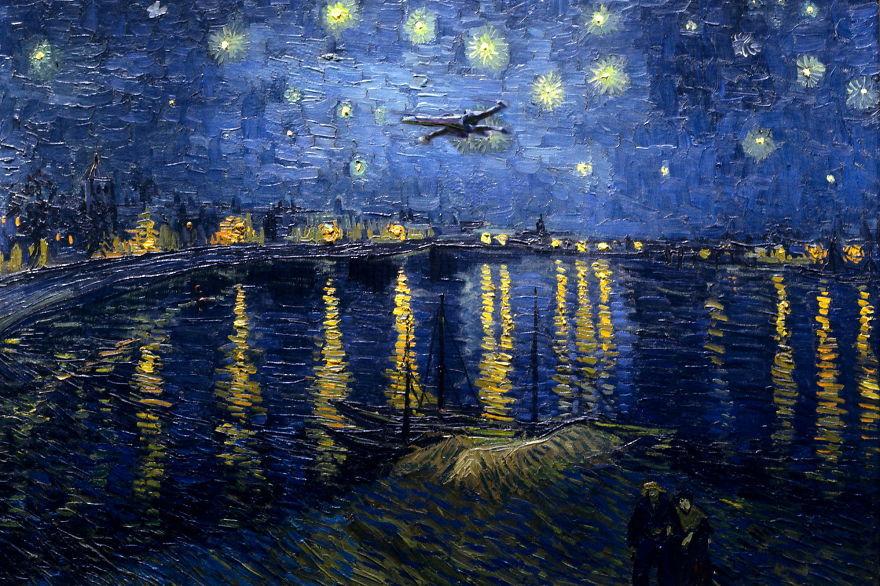 ゴッホの「星月夜」の中を飛ぶスターウォーズの戦闘機